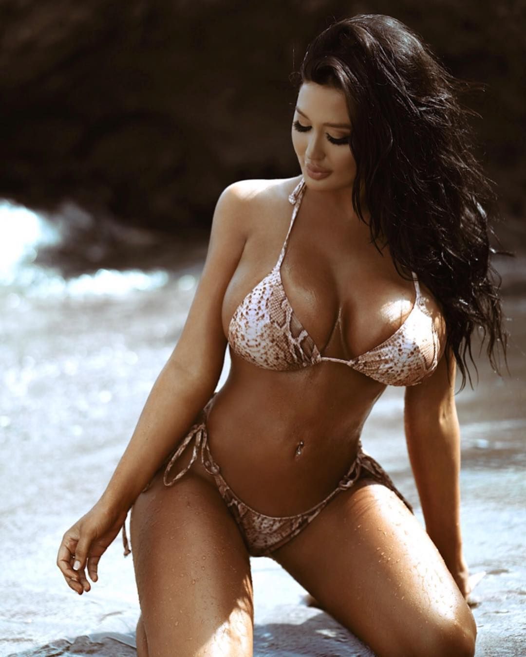 Becky Hudson big titties sexy girl (4)