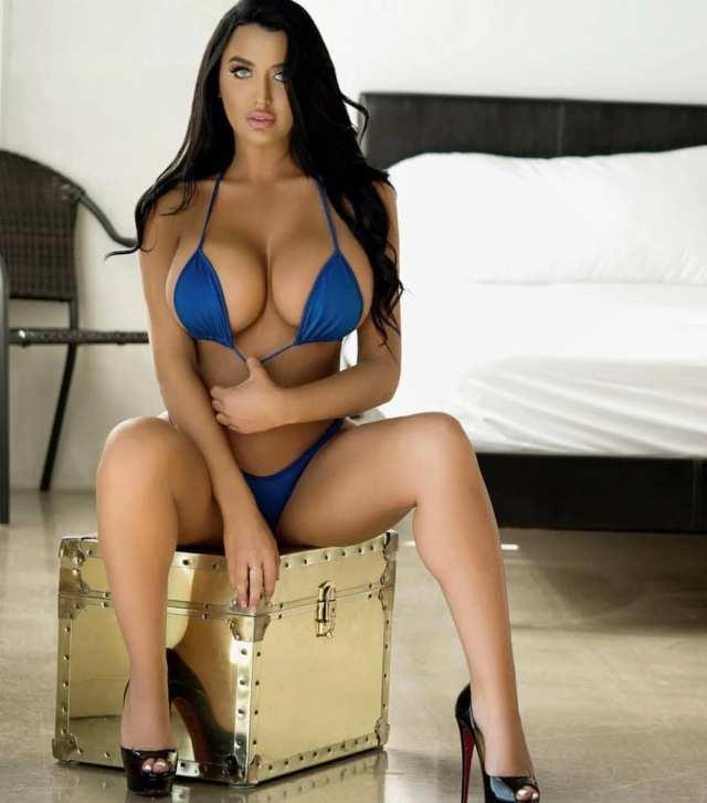 Becky Hudson big titties sexy girl (5)