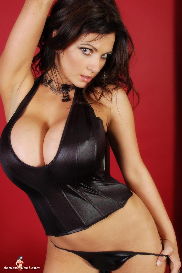 Denise_Milani_big_boobs_hot_busty_babe (4)