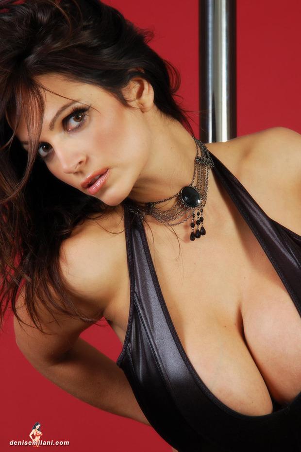 Denise_Milani_big_boobs_hot_busty_babe (7)