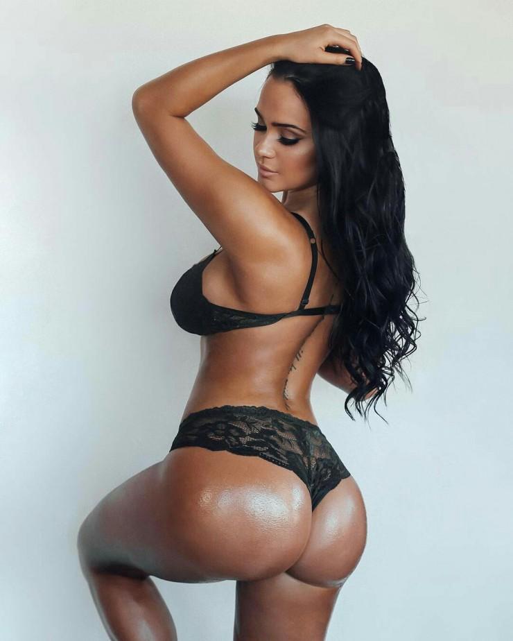 Sarah Macdonald sexy canadian big boobs and butt girl (72)