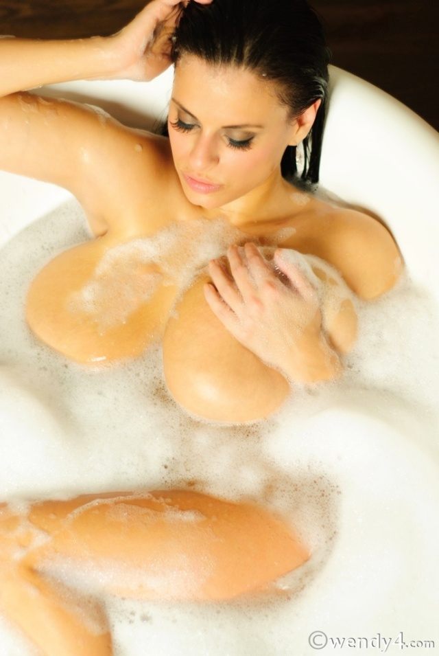 Wendi Fiore big boobs busty babe (4)