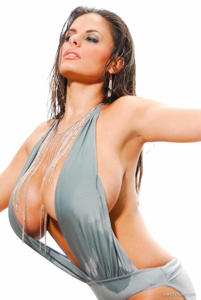 Wendi Fiore big boobs busty babe (6)