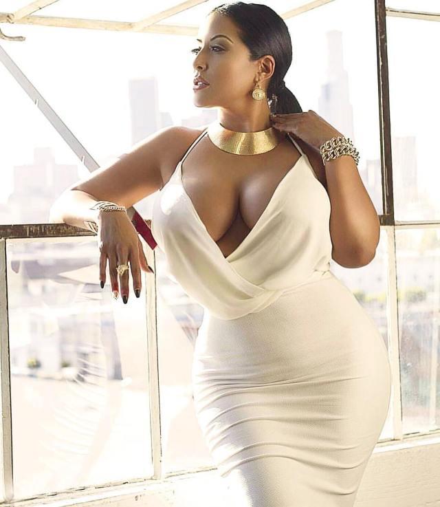 Kiara Mia busty babe (5)