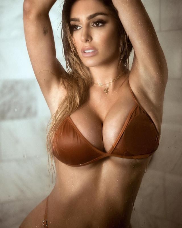 Lyna_Perez_hot _sexy_babe (13)