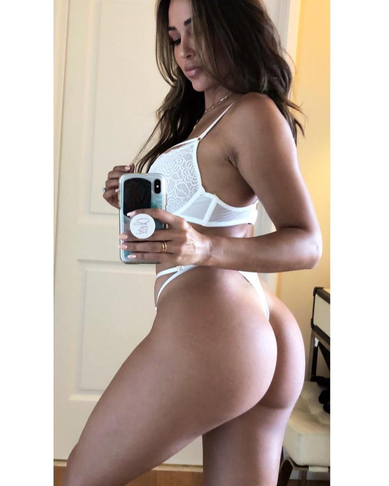 Ana Cherri gorgeous hot ass model (3)
