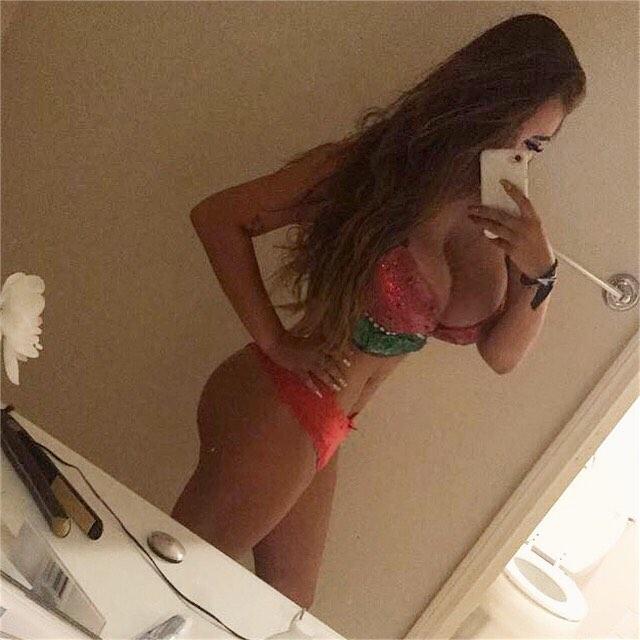 Gabriella busty big huge tits babe gabbs70 (1)